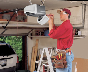 Garage Door Repair Lakewood Technician